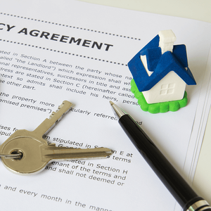 pros-cons-becoming-landlord-tenancy-agreement-image.png