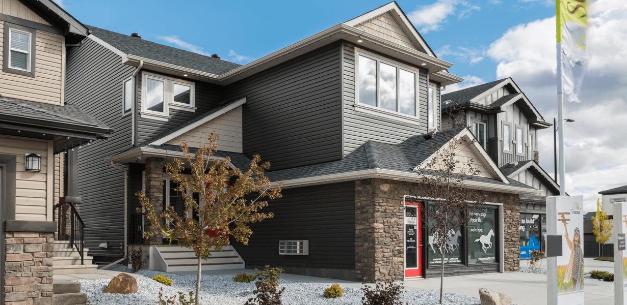 choose-great-edmonton-home-builder-handshake.png